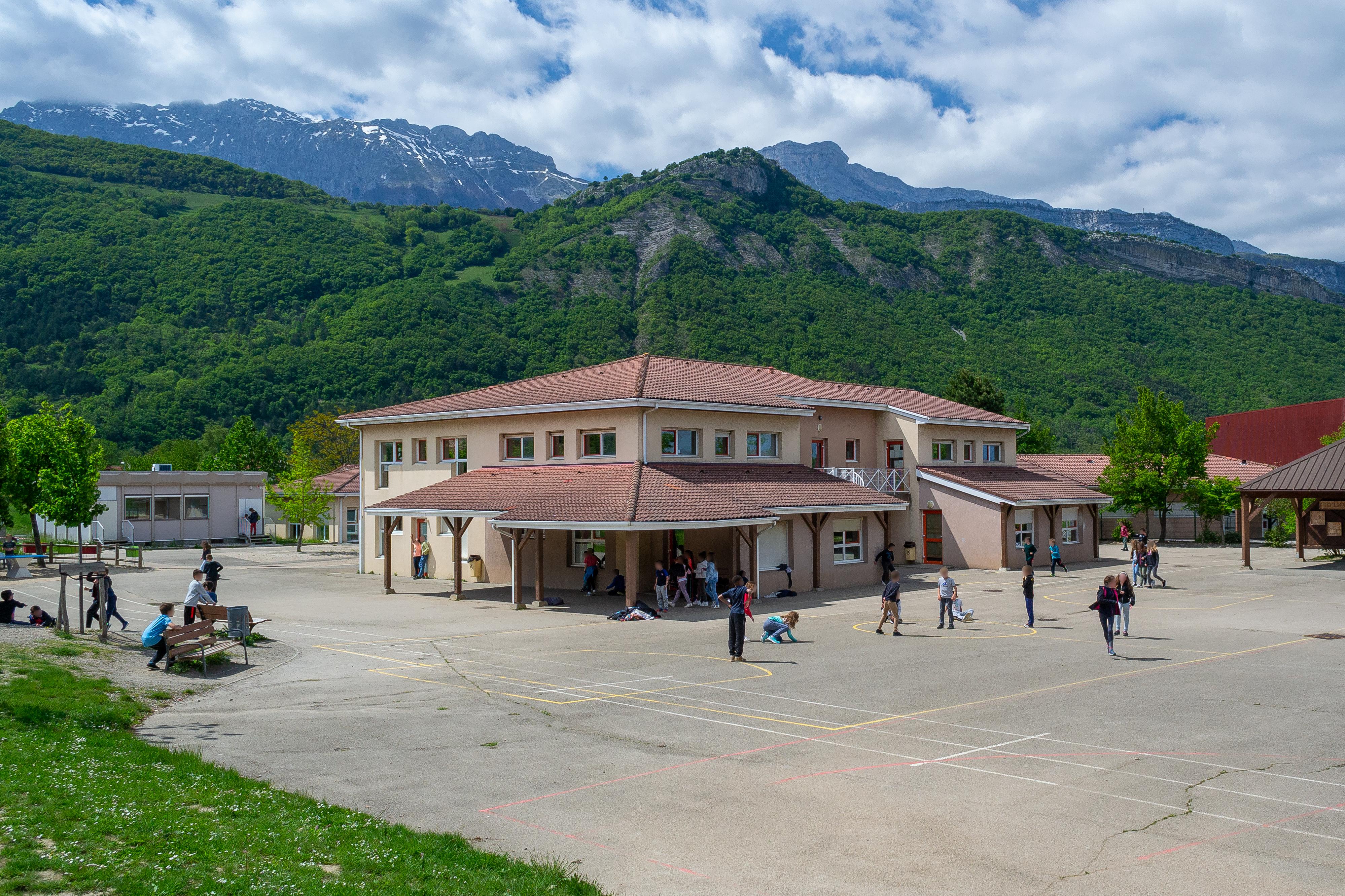ecole primaire J.F Champollion à Vif